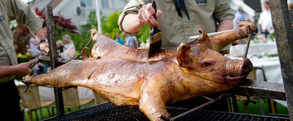 Helstekt gris catering